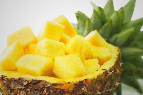 Nemme, effektive naturlige hjælpemidler med ananas