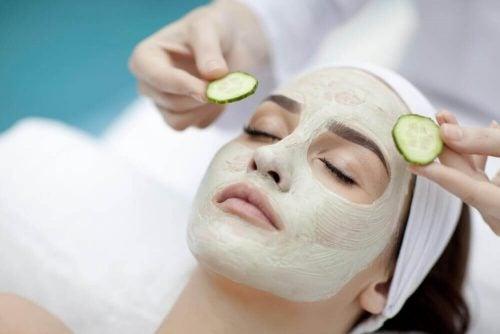 Ansigtsmaske med agurk
