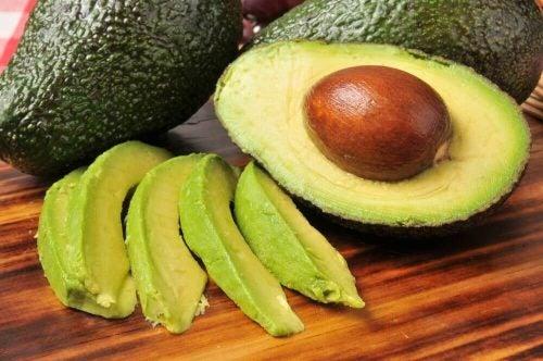 Avokado der er skåret ud