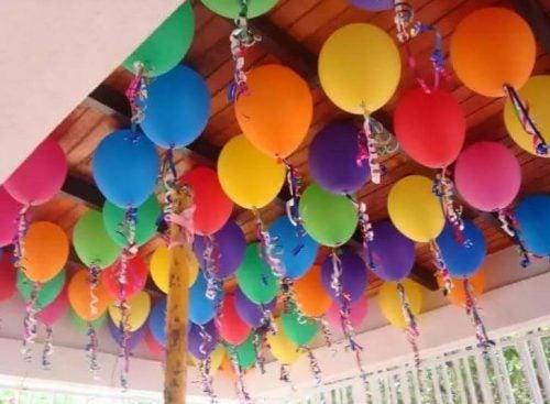 Dekoration med balloner i loftet