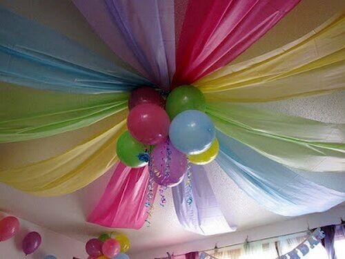 Balloner og stof til dekoration