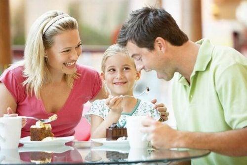 God kommunikation mellem en familie