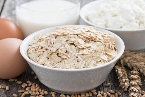 Havregryn er ikke bare gode morgenmadsprodukter. De er også gode til at holde din hud fugtig.