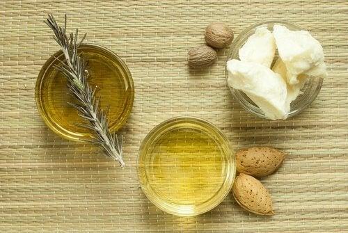Fedt og olier er med til at holde din hud fugtig. Derfor er det også et godt sted at starte, hvis din hud udvider tegn på dehydrering eller irritation.