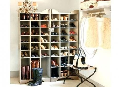 Sådan laver du din egen skoreol derhjemme