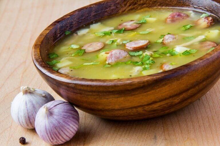 Prøv denne lækre suppe med serranoskinke!