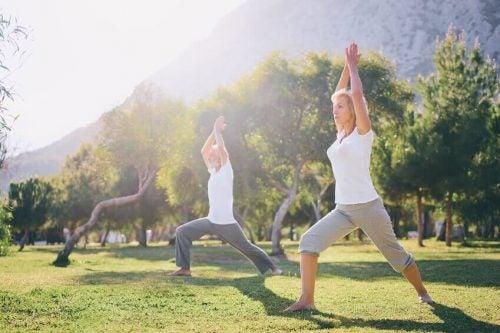 Yoga som træning for pensionister