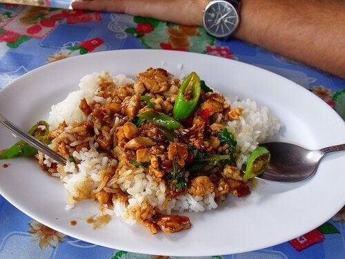 Kinesisk ris med grøntsager.