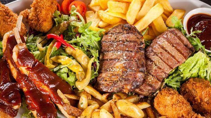 Kød og fritter