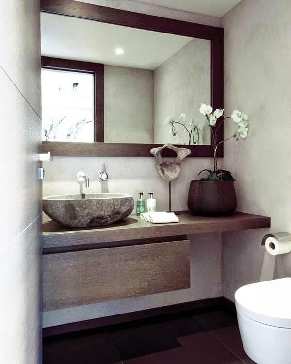 Flot rustikt badeværelse.