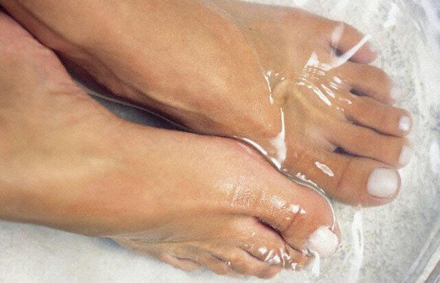 fodbad mod indgroet tånegl