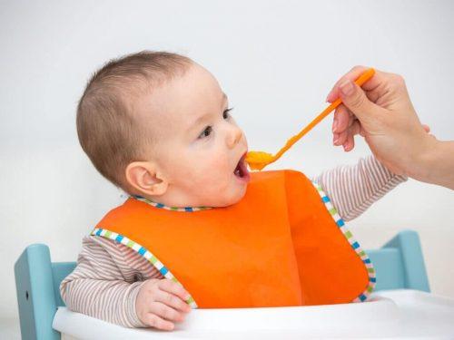 Derfor skal du fodre din baby babymos