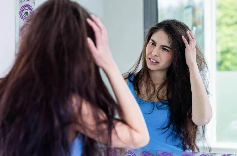 Naturlige løsninger til at forhindre kruset hår