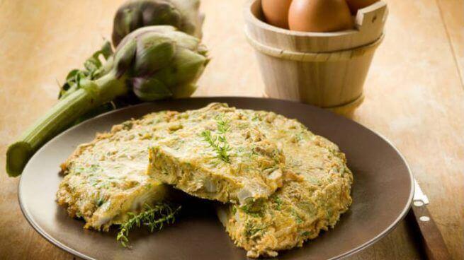 Omelet med artiskok.