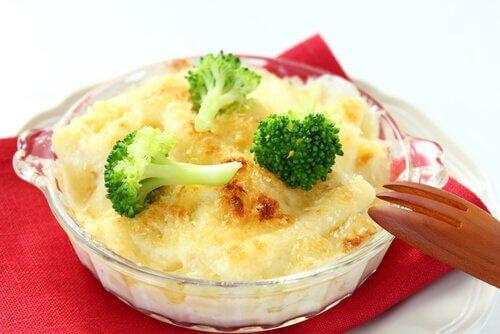 Ost og broccoli