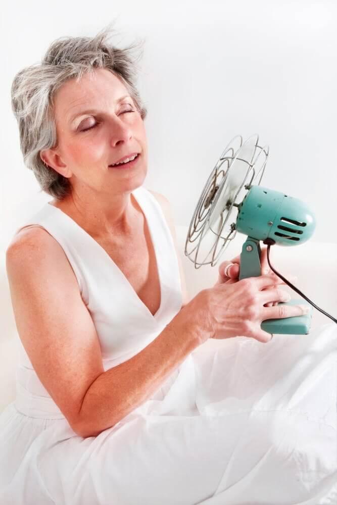 Effektive naturmidler til at behandle overgangsalderens symptomer