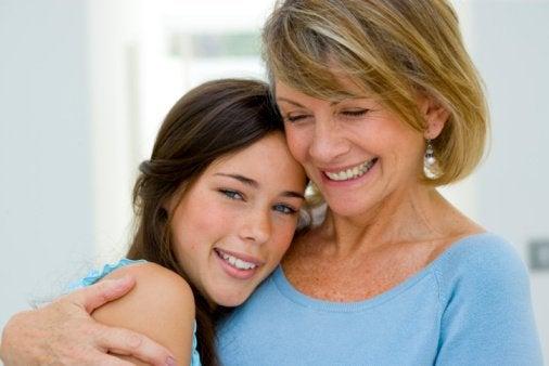 Mor støtter hendes datter