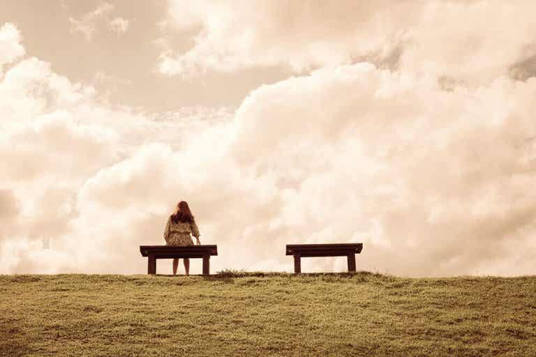 Fire grunde til du føler dig ensom og løsningen