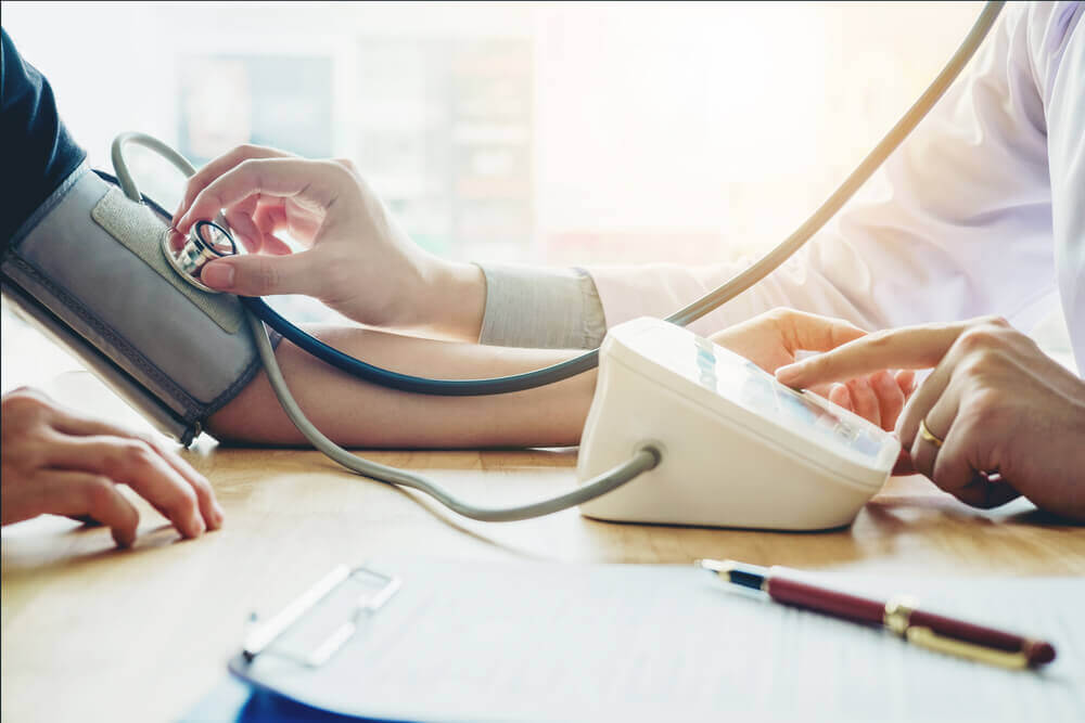 Hvordan du forbedrer din kost for at behandle lavt blodtryk