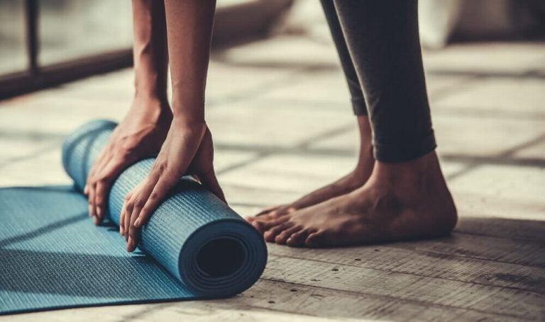 5 yogaøvelser du kan praktisere hvis du ikke er smidig