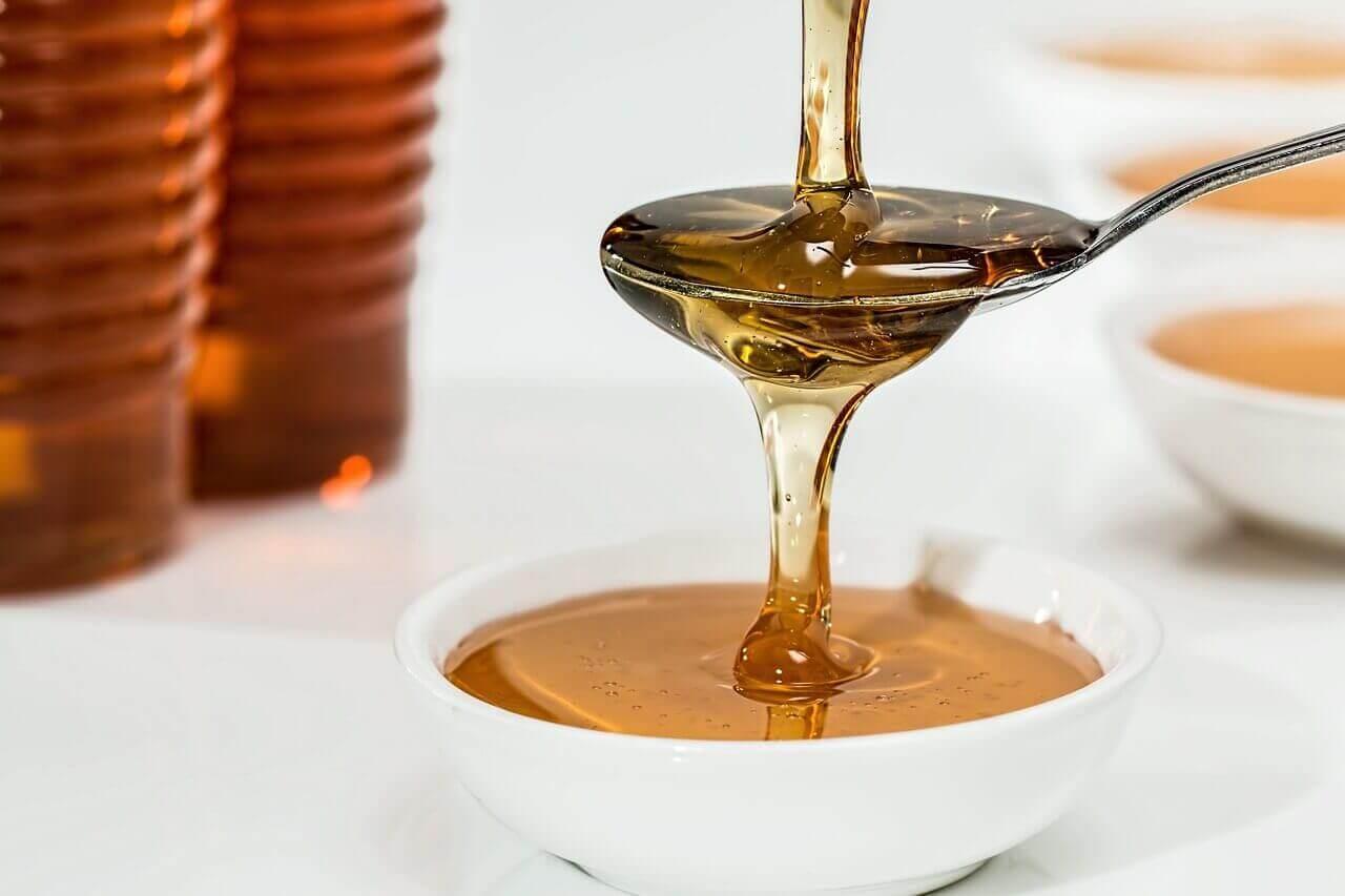 Honning i skål