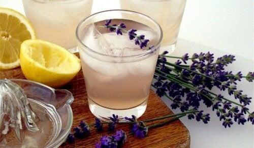 Lavendel te