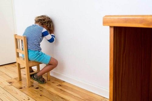 Fem ting du kan gøre i stedet for at straffe dit barn