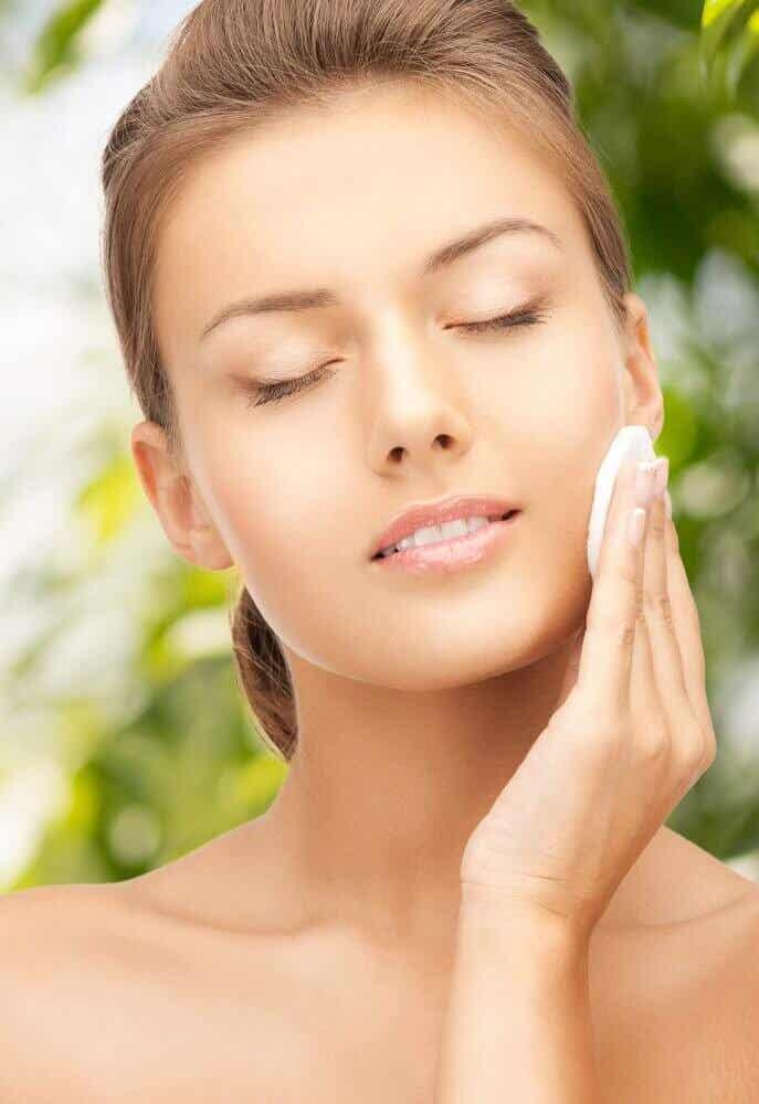 Naturlige tonere til smuk glødende hud