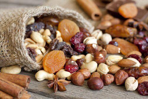 Frø, korn og nødder