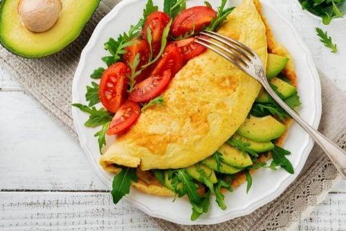 Omelet med groentsager