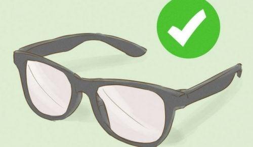 4 essentielle tips til at pleje din briller ordentligt