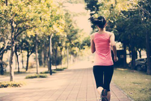 5 tricks til at holde dig i form selvom du ikke har tid