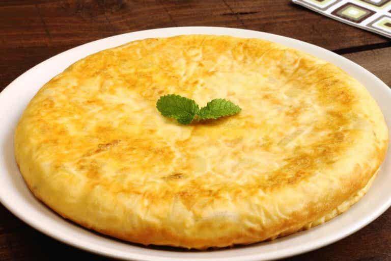 Hvordan du laver spansk tortilla med kartofler