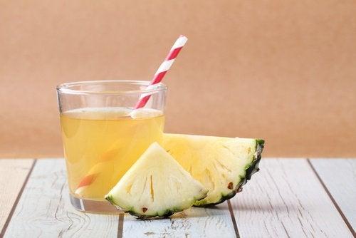Bedste måde at drikke ananas på