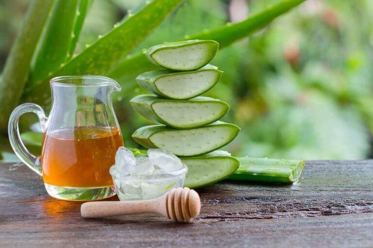 Aloe vera-middel med honning mod maveproblemer