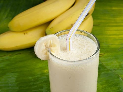 Fibrene i bananer og probiotika i yoghurten er gode for din fordøjelse