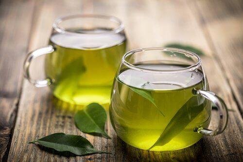groen te i et glas