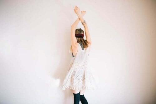 kvinde danser