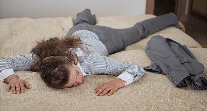 5 aftenvaner, der kan få dig til at føle dig mindre træt