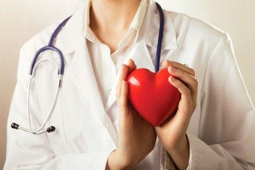 hjertesundhed er en a fordelene ved mere aubergine