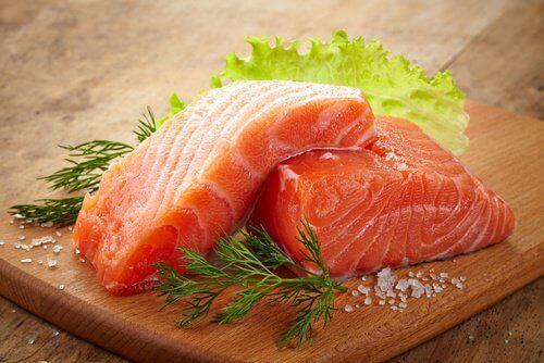 Laks indeholder blandt andet omega 3 fedtsyrer