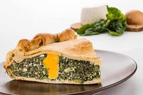 Lækker tærte med spinat og bladbede
