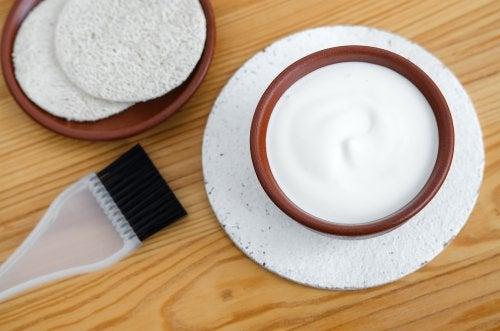 Tilfør fugt til håret med en yoghurt maske