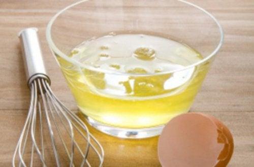Æggehvider kan tilføre styrke til dit hår