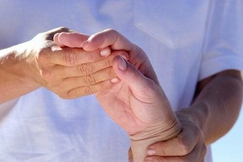 Ricinusolie har smertelindrende egenskaber
