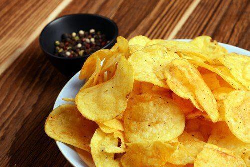 Friturestegt mad og fødevarer med højt indhold af fedt kan gøre dine symptomer på colitis værre