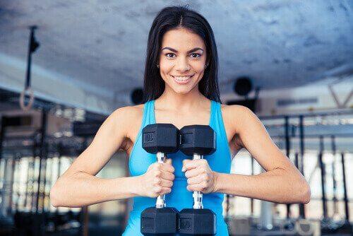 Der skal mere end et par håndvægte til for at gøre kvinder meget muskuløse