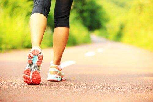 Det er vigtigt at dyrke motion for at opretholde en sund vægt