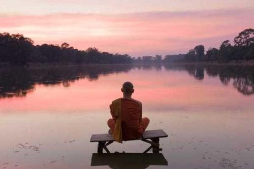 Med meditation kan du opnå en tilstand af opmærksomhed og ro