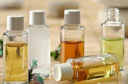 Sådan kan du rense dit ansigt med naturlige olier